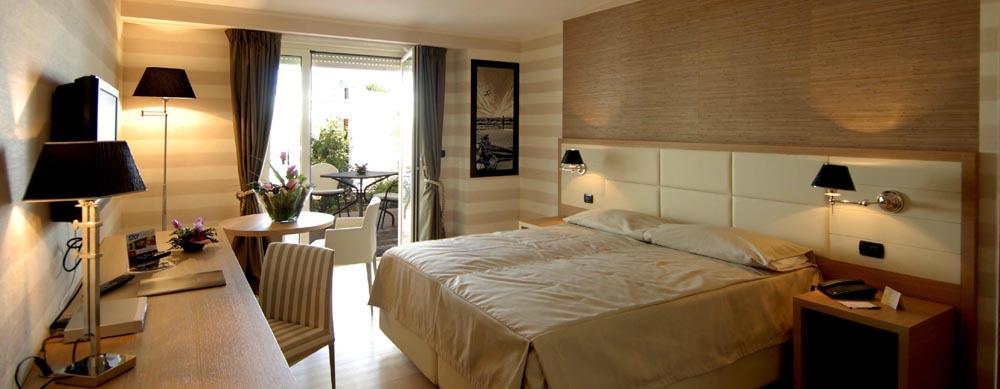 Hotel pineta for Arredamento pastore