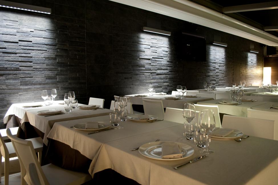 Ristrutturazione del ristorante pizzeria tarantini al for Interior design italiani